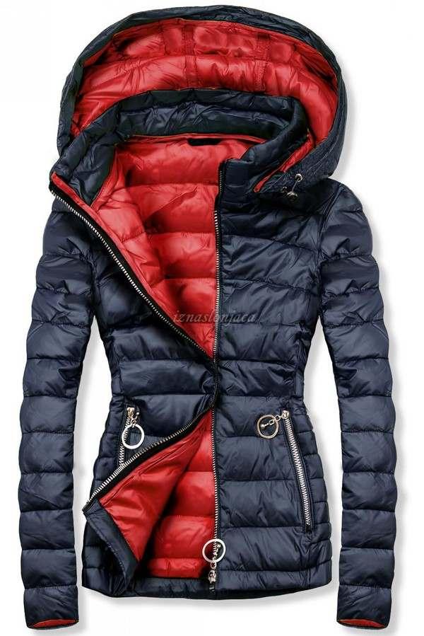 Ženska prešita jakna s kapuco