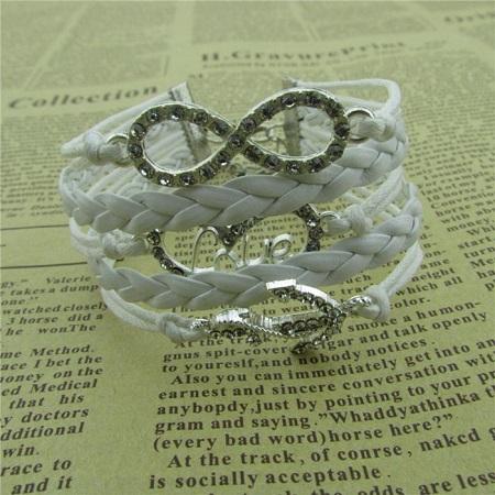 Infinity zapestnica bela - Srce