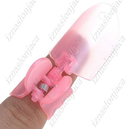 Plastična zaščita za nohte pri lakiranju