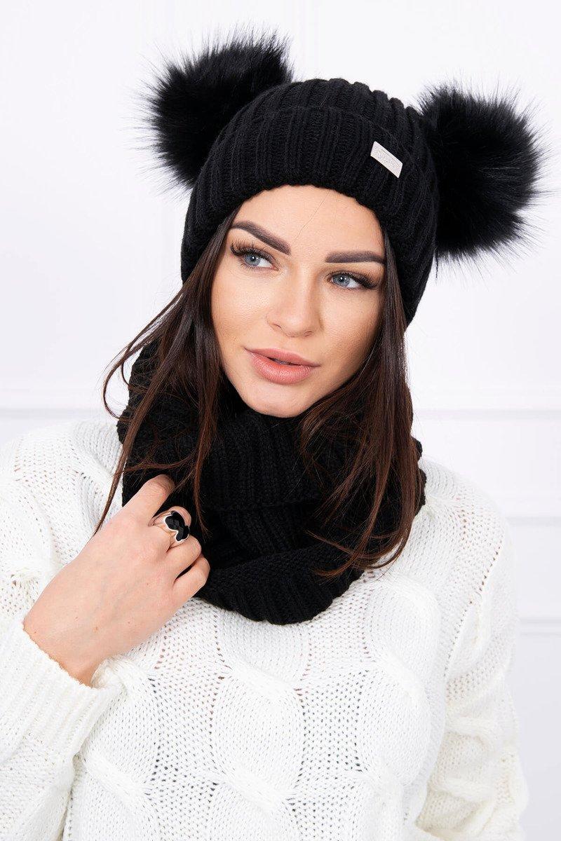 Ženska podložena kapa in šal