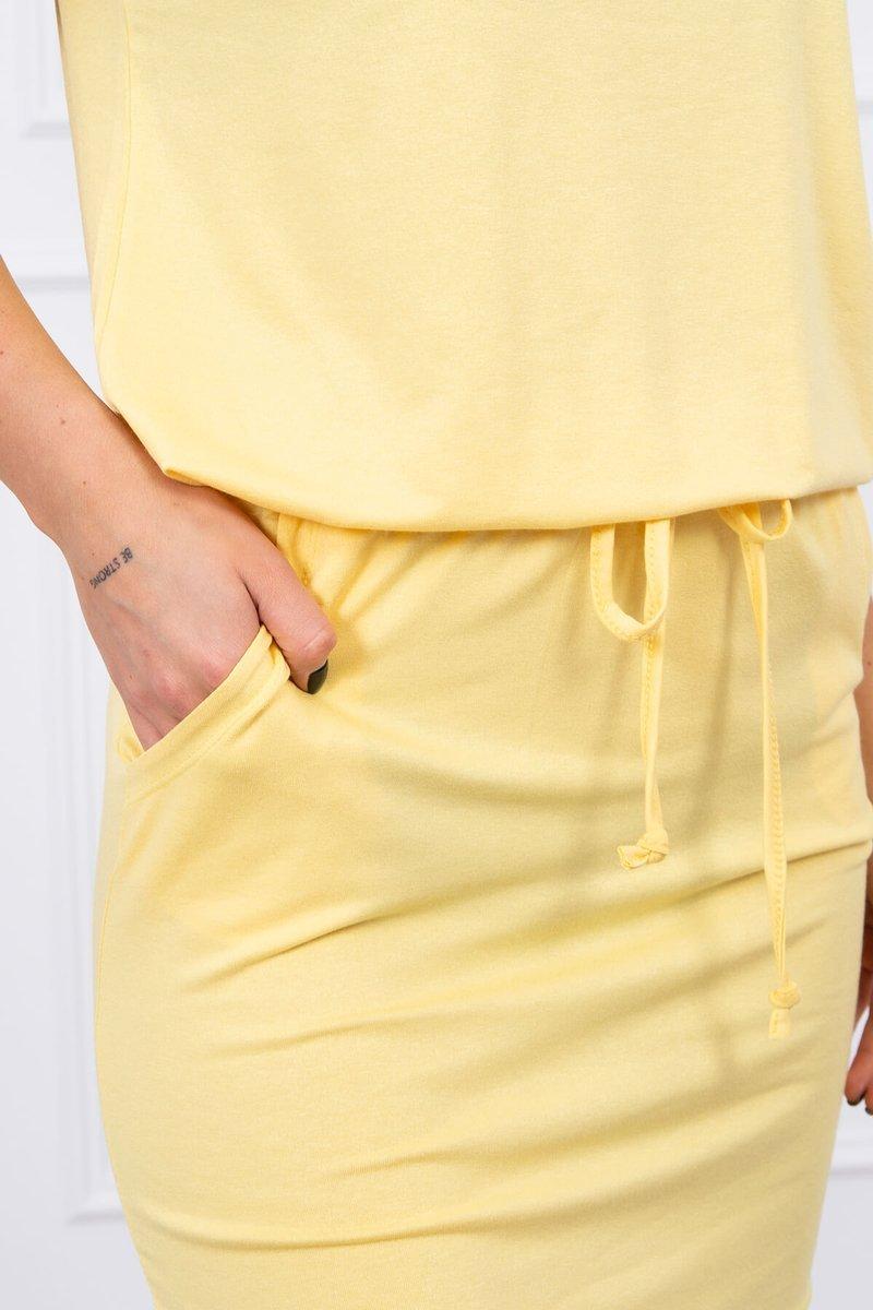 Obleka s kratkimi rokavi in vezavo v pasu