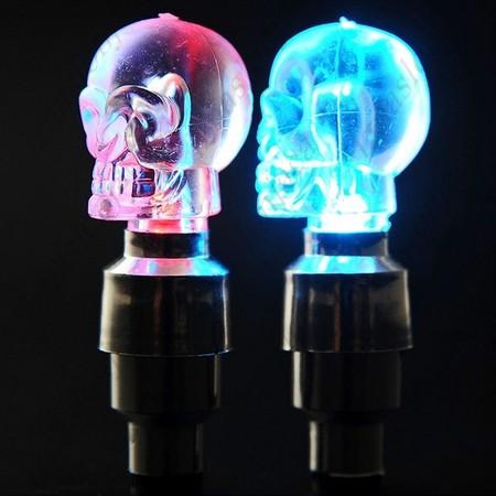 Pokrovčki ventilčkov z LED lučko