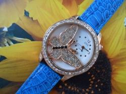 Ženska modna ura z 3D metuljčkom