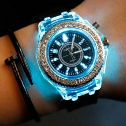 Ženska modna ura z LED osvetlitvijo