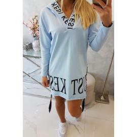 Obleka s kapuco in dekorativnim potiskom 9161, svetlo modra